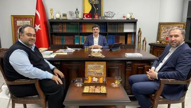صورة زيارة وفد من مركز أيام لمستشار رئيس حزب العدالة والتنمية التركي